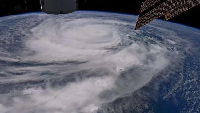 Vũ khí hạt nhân mạnh như thế, nhưng tại sao người ta không dùng để đánh tan các cơn bão? - Ảnh 1.