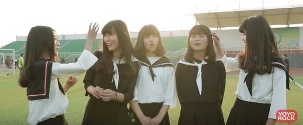 Nhóm nhạc nữ Trung Quốc nổi tiếng vì nhan sắc xấu đều, hát dở - Ảnh 1.