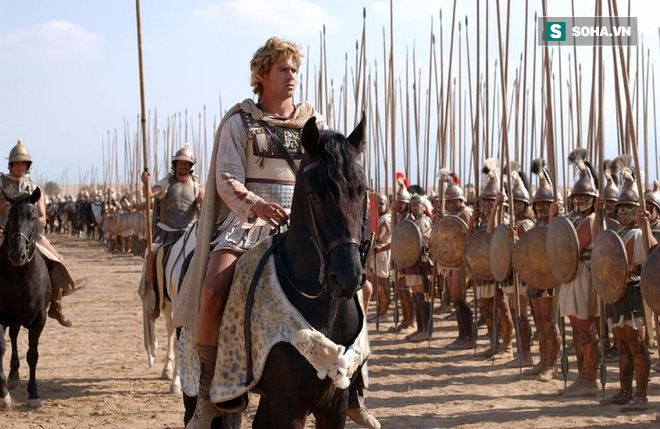Sức mạnh nào giúp Alexander Đại đế được thần dân Ai Cập tôn làm pharaoh? - Ảnh 1.