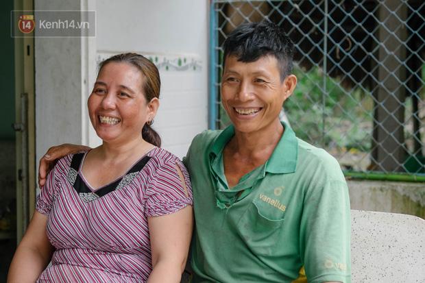 Cặp vợ chồng trong bộ ảnh 25 năm gắn bó cánh đồng: Gặp nhau lúc 16 tuổi, yêu nhau 3 năm, mỗi năm chỉ gặp được đúng 1 lần - Ảnh 1.