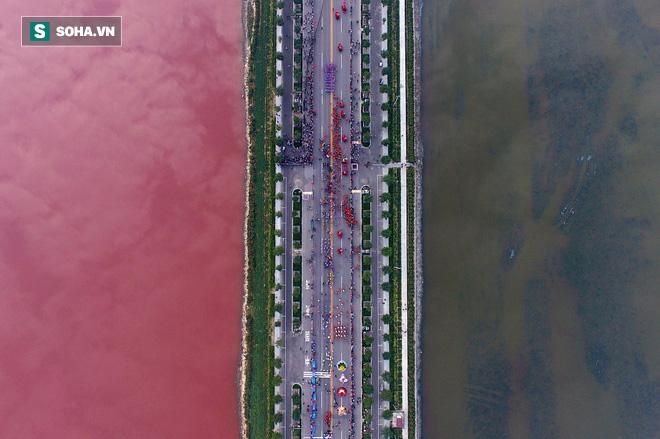 Giải mã nguyên nhân biển chết bỗng hóa màu kỳ dị ở Trung Quốc - Ảnh 1.