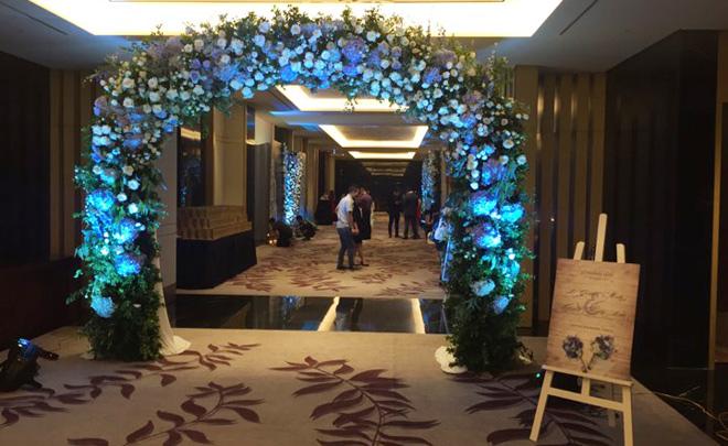 Những hình ảnh hiếm hoi về đám cưới ấm cúng của BTV Quang Minh và vợ trẻ - Ảnh 2.