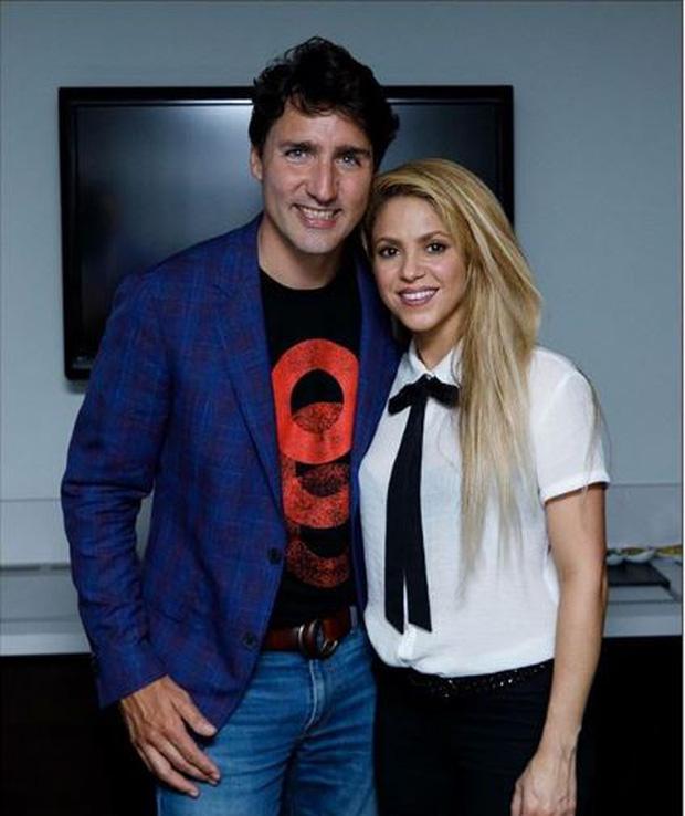 Shakira cứ ở cạnh trai đẹp thế này, bảo sao Pique không ghen - Ảnh 2.