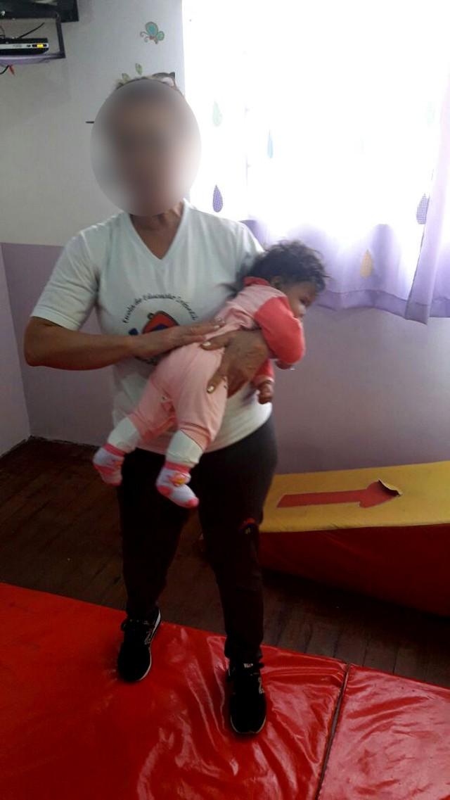 Bé 4 tháng tuổi tử vong ngay ngày đầu tiên đi nhà trẻ bởi nguyên nhân khiến nhiều mẹ giật mình - Ảnh 1.