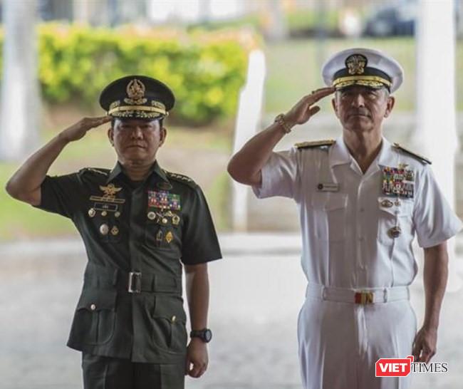 """Philippines """"bắt cá nhiều tay"""", vẫn coi Mỹ là đồng minh số 1 - Ảnh 2."""