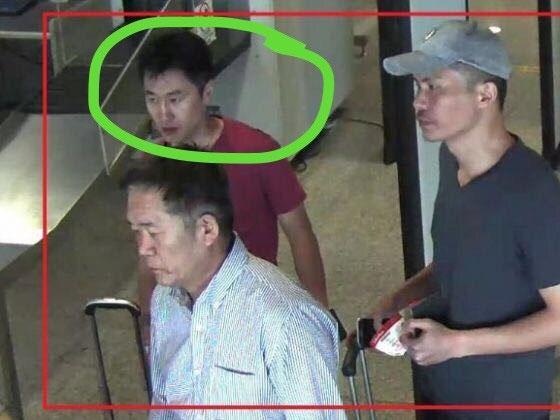 Nhận diện gã đàn ông đổ chất lỏng vào tay Đoàn Thị Hương - Ảnh 1.