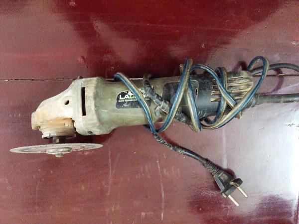 Cận cảnh máy sản xuất súng tự chế của nhóm cướp tài sản - Ảnh 6.