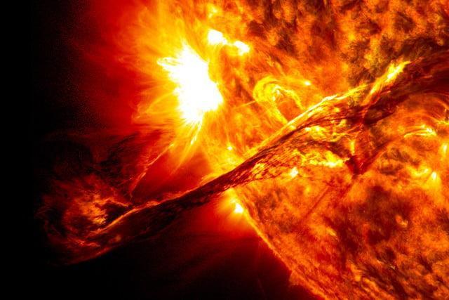 Các nhà khoa học muốn bảo vệ Trái Đất khỏi bão Mặt Trời bằng nam châm khổng lồ - Ảnh 1.