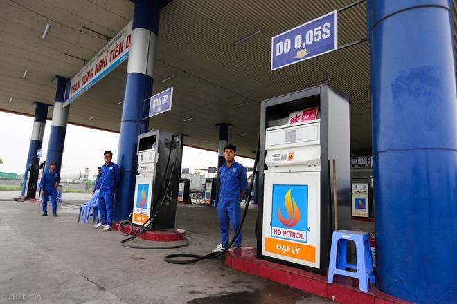 Cây xăng Việt đã cúi chào, tặng nước miễn phí cho khách trước cả khi cây xăng Nhật đến Hà Nội - Ảnh 2.