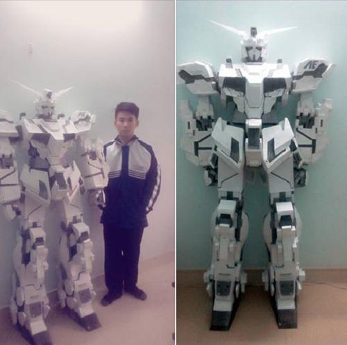 Nam sinh 10X bức xúc khi cư dân mạng gọi mô hình robot bằng giấy của mình là 'vàng mã'  - Ảnh 1.