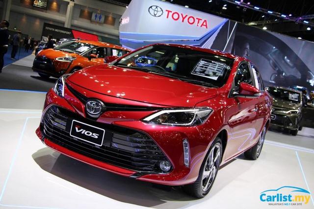 Nhiều ô tô 'hot' Toyota và Hyundai giảm giá 'sập sàn', về mốc 500 triệu - Ảnh 1.