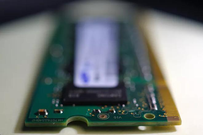 Giảng viên Đại học Monash giải thích vì sao những thiết bị điện tử cứ dùng lâu sẽ bị chậm đi - Ảnh 2.