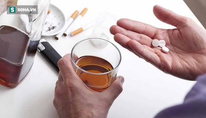 Uống rượu sau khi uống thuốc, cơ thể bạn sẽ chịu hậu quả gì? - Ảnh 1.