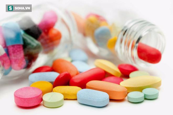 Kiến thức cần cho mọi nhà: Những loại thuốc không được nghiền, bẻ nhỏ hay nhai khi uống - Ảnh 1.