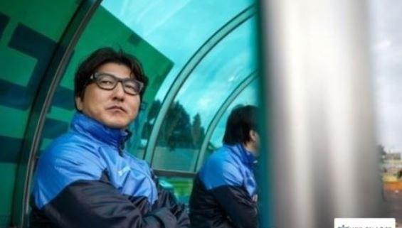 Thầy Xuân Trường bị trảm, bóng đá Hàn Quốc có biến - Ảnh 1.