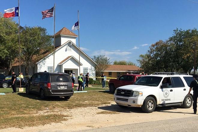 Thông tin sốc về nghi phạm xả súng làm 27 người chết tại nhà thờ ở Texas, Mỹ - Ảnh 2.