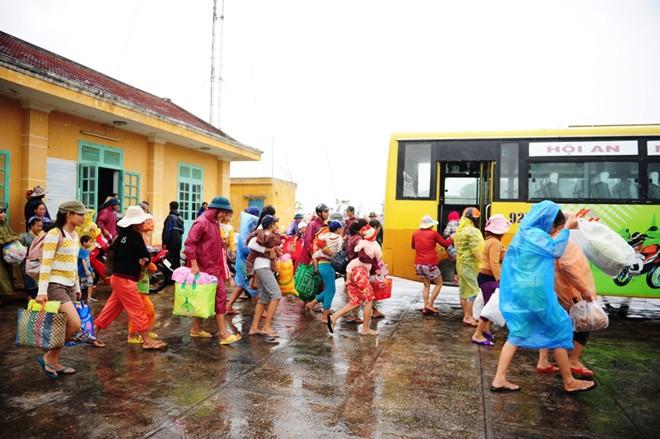 Những điều cần làm ngay để giữ tính mạng khi xảy ra lũ lụt - Ảnh 3.