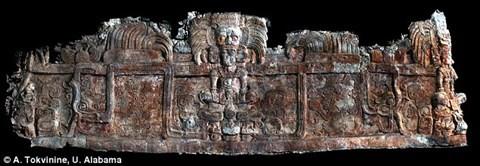 Hé lộ bí mật về vua rắn bên trong ngôi mộ cổ dưới chân kim tự tháp Maya - Ảnh 1.