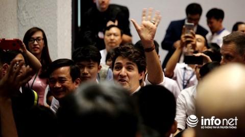 """Thủ tướng Canada nói về mơ ước """"gõ đầu trẻ"""" và sở thích boxing - Ảnh 1."""