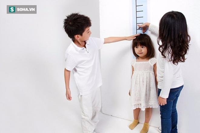 Trẻ sẽ có thể cao tới bao nhiêu cho đến khi trưởng thành? Công thức giúp bạn tự biết trước - Ảnh 1.