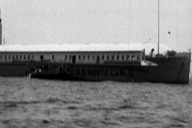 Bí ẩn con tàu ma trôi dạt vào bờ biển Mỹ, có thể đã bị chuột ăn thịt xâm chiếm - Ảnh 4.