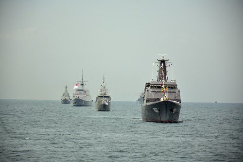 Tàu 012 - Lý Thái Tổ tham gia Duyệt binh tàu quốc tế 2017 - Ảnh 1.
