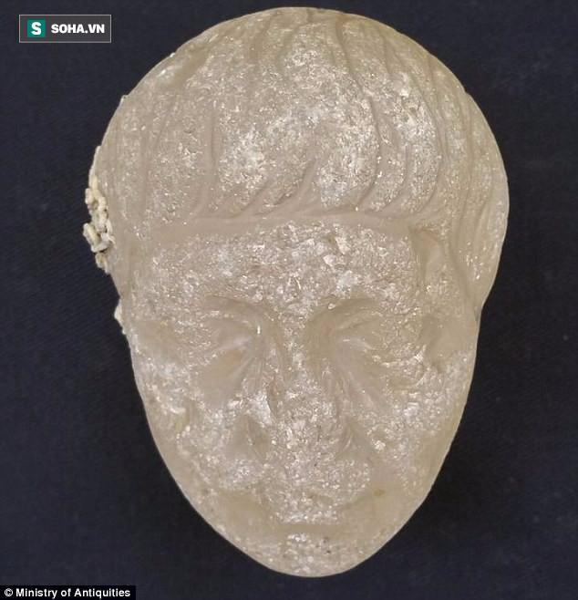 Phát hiện xác tàu đắm hơn 2.000 tuổi chứa kho báu khổng lồ ở dưới biển Ai Cập - Ảnh 2.