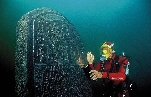 Phát hiện xác tàu đắm hơn 2.000 tuổi chứa kho báu khổng lồ ở dưới biển Ai Cập - Ảnh 7.