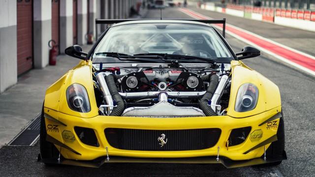 Siêu ngựa Ferrari 599 GTB Fiorano Drift đầu tiên trên thế giới - Ảnh 2.