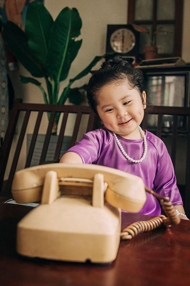 Đây chính là cô Ba Sài Gòn phiên bản 2,5 tuổi cưng hết sảy khiến dân mạng phát cuồng - Ảnh 1.