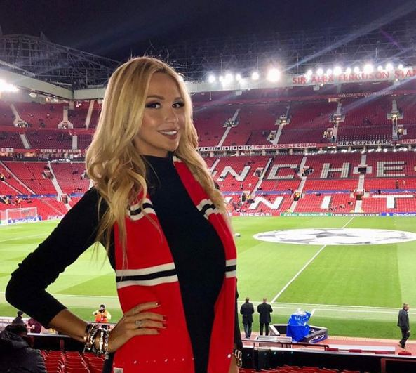 Hoa hậu Nga chứng kiến Man Utd lập kỳ tích chưa từng có trong lịch sử - Ảnh 1.
