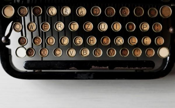 Vì sao bàn phím lại được xếp theo kiểu QWERTY mà không phải ABCDE? - Ảnh 2.