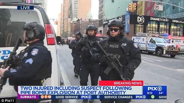 Khủng bố ở trung tâm New York: Nghi phạm bị bắt giữ, hàng trăm người thoát chết trong gang tấc - Ảnh 12.