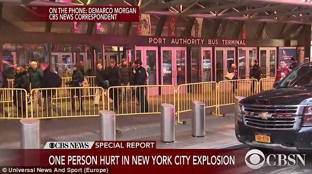 Khủng bố ở trung tâm New York: Nghi phạm bị bắt giữ, hàng trăm người thoát chết trong gang tấc - Ảnh 13.