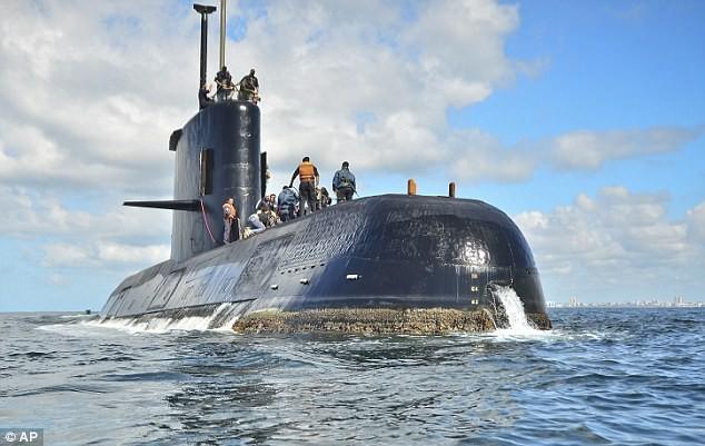 Rộ tin tàu ngầm Argentina bị Hải quân Hoàng gia truy đuổi trước khi mất tích - Ảnh 1.