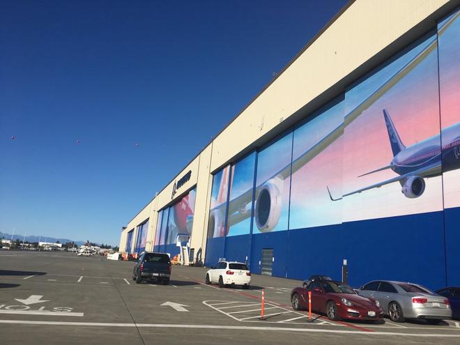 Dạo một vòng quanh nhà máy sản xuất máy bay lớn nhất của Boeing - Ảnh 2.