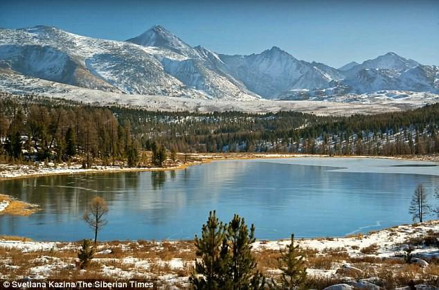 Hồ nước đóng băng ở Siberia phát ra âm thanh đáng sợ, tựa như ngoài hành tinh - Ảnh 4.