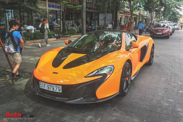 McLaren 650S Spider từng của Minh Nhựa tái xuất trên đường phố Sài Gòn - Ảnh 1.