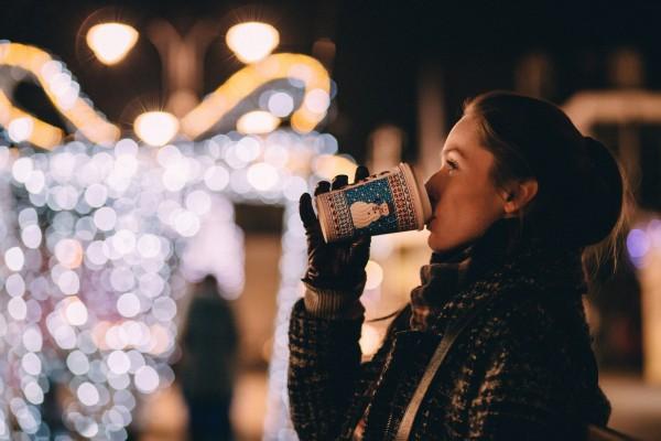 San sẻ với nhau một chút nhớ thương thì dù yêu xa đến mấy, Giáng sinh vẫn ấm áp vô cùng - Ảnh 1.