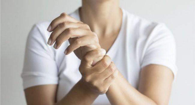 Phát hiện một gia đình không biết đau là gì do mang loại đột biến gen cực lạ - Ảnh 1.