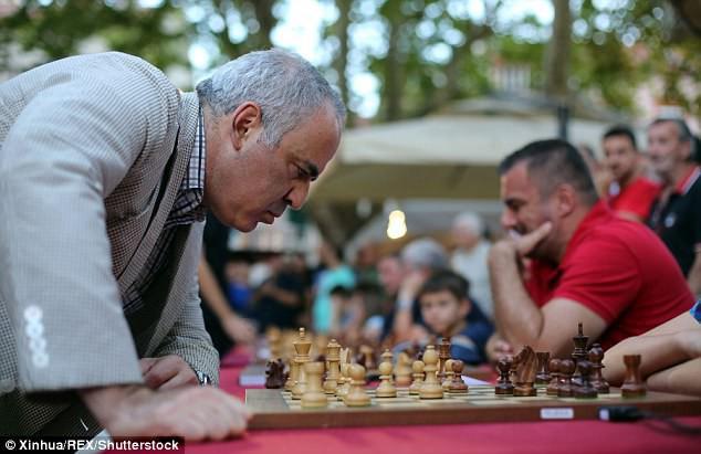 Chỉ cần 4h tự học, AI đánh bại kiện tướng cờ vua bằng 1 nước đi chưa từng có trong 1.500 năm lịch sử - Ảnh 2.