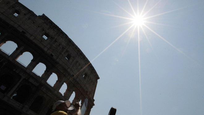 Biến đổi khí hậu đã hủy diệt đế chế La Mã như thế nào? - Ảnh 1.