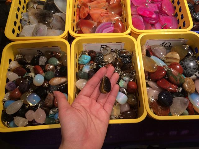 Tôi đã sốc nặng khi đi mua đá phong thủy ở trời Tây với giá 1 bữa ăn trưa, chỉ bằng 1/3 đến 1/5 giá đá ở Việt Nam - Ảnh 11.