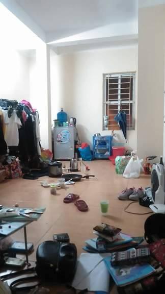 Lại thêm một căn phòng trọ như bãi rác khiến ta tự hỏi: Ở bẩn là hot trend năm nay ư? - Ảnh 11.