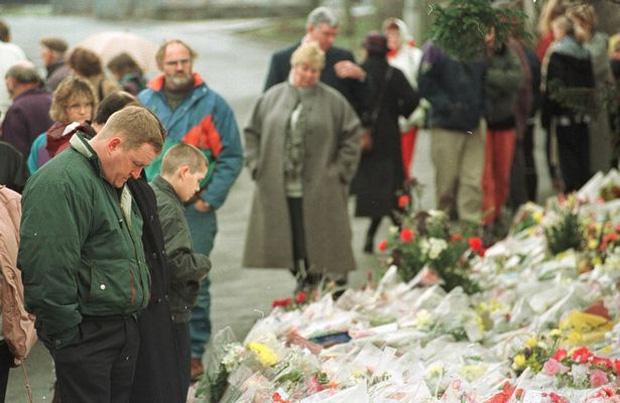 Vụ xả súng gây chấn động lịch sử Anh: Kẻ sát nhân dã man đoạt mạng 16 trẻ em chỉ trong 3 phút - Ảnh 11.