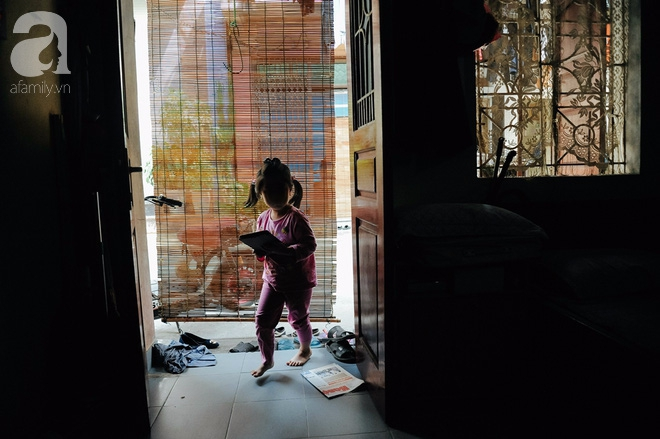 Tổ ấm nhỏ tràn đầy hạnh phúc của người đàn bà hiếm muộn và bé gái bị mẹ bỏ rơi trên xe taxi 4 năm trước - Ảnh 11.