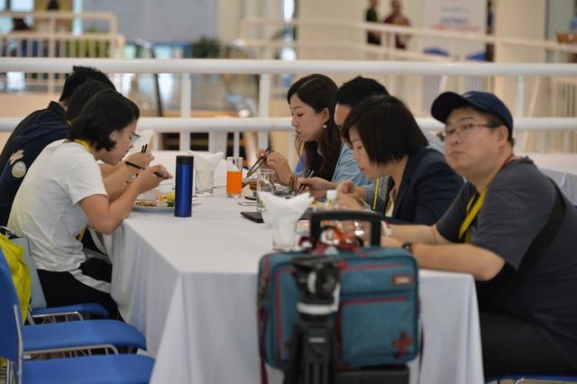 Khám phá bếp ăn phục vụ 3.000 phóng viên ở Trung tâm Báo chí APEC - Ảnh 11.