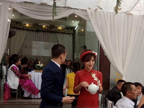 Hot girl Tú Linh M.U xinh đẹp rạng rỡ trong lễ ăn hỏi - Ảnh 12.