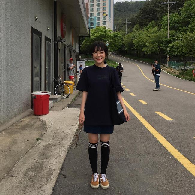 Cô bạn Hàn Quốc với nụ cười má lúm làm xiêu lòng mọi chàng trai - Ảnh 12.