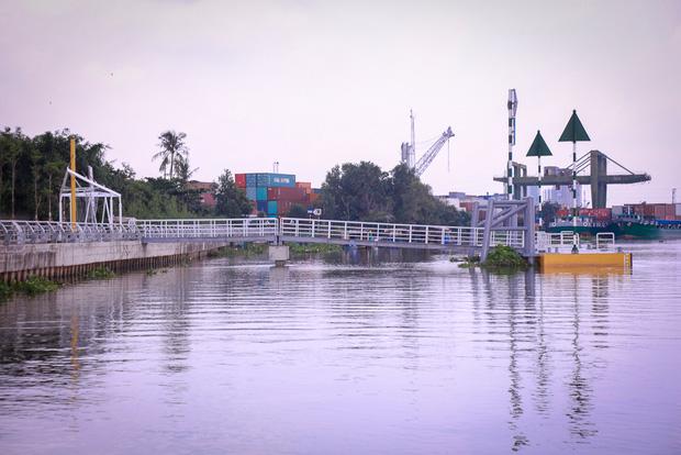 Cận cảnh bến buýt đường sông đầu tiên ở Sài Gòn sẽ hạ thủy vào tháng 9 - Ảnh 12.
